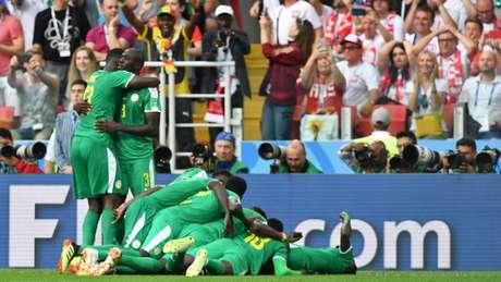 Senegal estreou no Grupo H com importante vitória por 2 a 1 sobre a seleção polonesa (AFP)