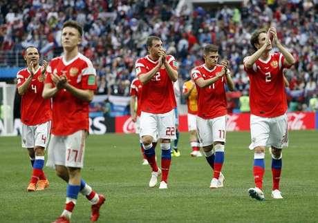 Com duas vitórias contundentes, Rússia é a maior surpresa da Copa até aqui