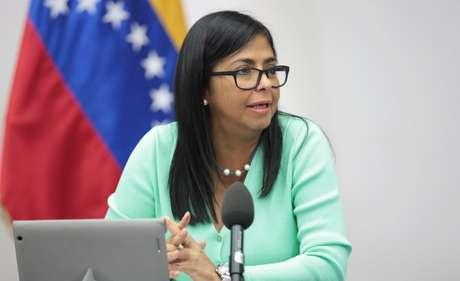 Vice-presidente da Venezuela, Delcy Rodriguez, fala durante reunião ministerial no Palácio de Miraflores 23/06/2018 Miraflores Palace/Handout via REUTERS
