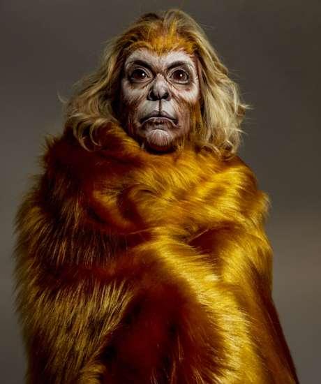 Astrid Fontenelle como mico-leão-dourado (Fotos: Jacques Dequeker/Divulgação)