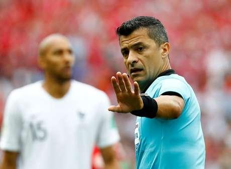 O árbitro brasileiro Sandro Meira Ricci