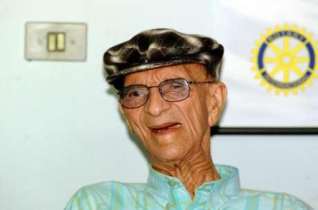 O médium Chico Xavier durante a comemoração de seu 92º aniversário, em Uberaba (MG)