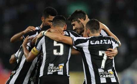 Botafogo teve caras parecidas com Felipe Conceição e Alberto Valentim. E agora? (Paulo Sérgio/Agência F8)