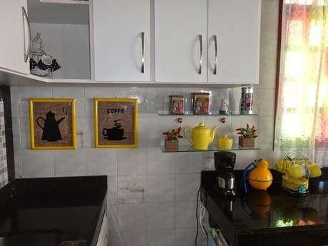 10- Cantinho do café na cozinha pequena.