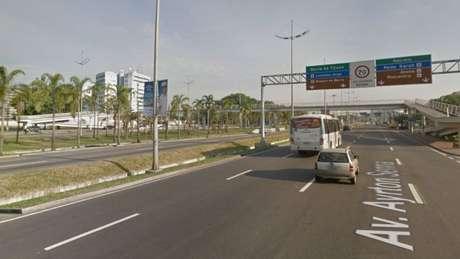 O caso teria ocorrido naAvenida Ayrton Senna, em Jacarepaguá, zona oeste do Rio