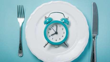 Para os pacientes, a vantagem do modelo de 16 horas de jejum é que parte do período ocorre durante a noite, quando estão dormindo
