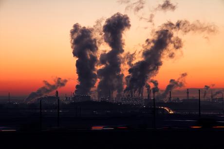 Poluição causada por fábricas