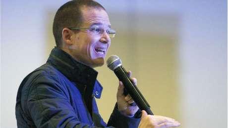 Ricardo Anaya, que também disputava a presidência, reconheceu rapidamente a vitória de AMLO