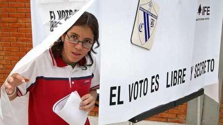 Sentimento de revolta com a situação atual do país e de esperança dos eleitores ajudaram na eleição de AMLO, analisa especialista