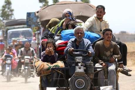 Moradores da cidade síria de Derra desclocadas pela guerra chegam a Quneitra 29/06/2018 REUTERS/Alaa Al-Faqir