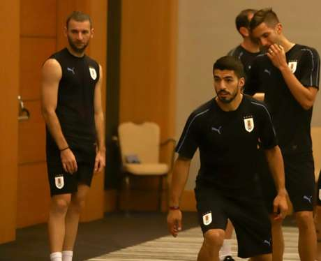 O atacante Luis Suárez realizou trabalhos regenerativos com os outros titulares da seleção uruguaia (Divulgação)