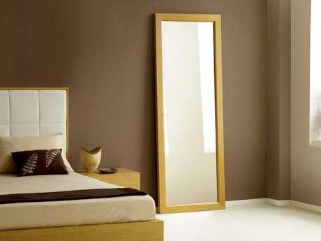 42. Modelo simples de espelho para quarto