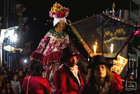 Diversas expressões culturais se encontram no festival de Ouro Preto (foto) e Mariana