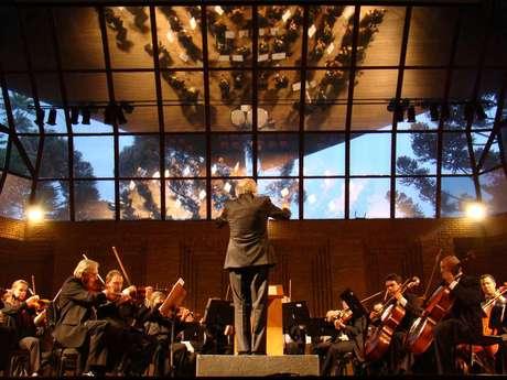 Auditório Cláudio Santoro é um dos palcos do festival em Campos do Jordão