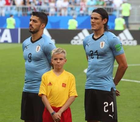 Pela seleção uruguaia, a dupla de ataque Luis Suárez e Edinson Cavani balançou as redes, junta, 98 vezes (Divulgação)