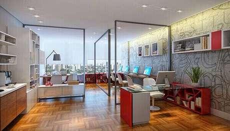 32 – Mesa para escritório de vidro com base na cor vermelha