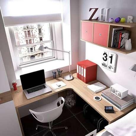 25 -Mesa para escritório em L em madeira natural.