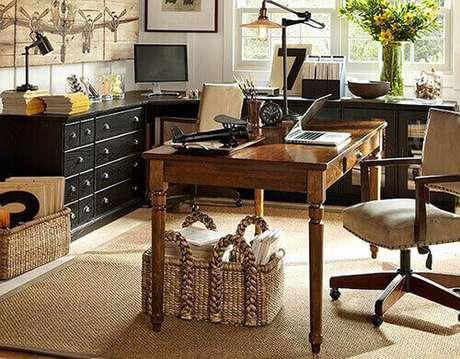 18 – Mesa para escritório retro com gaveta.
