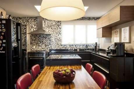 5 -Paredes decoradas com pastilha na cozinha são durável e fáceis de limpar.