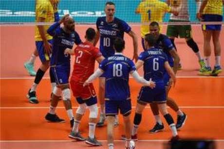 A França venceu o Brasil por 3 sets a 2, com parciais de 22/25, 25/20, 21/25, 25/22 e 15/13