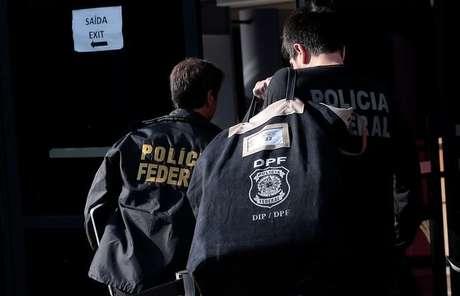 Agentes da PF em São Paulo
