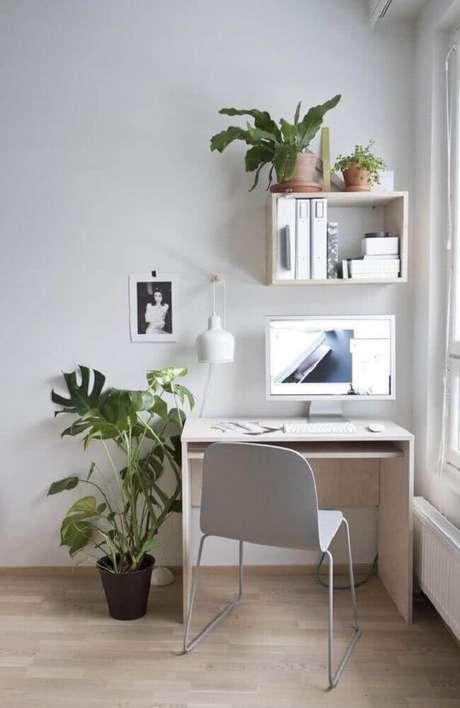 54. Modelo simples de mesa pequena para computador
