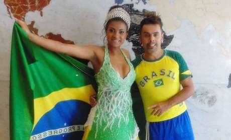 Edson Eddel com a bailarina do Faustão Dayane Nascimento: sem medo de cores no altar