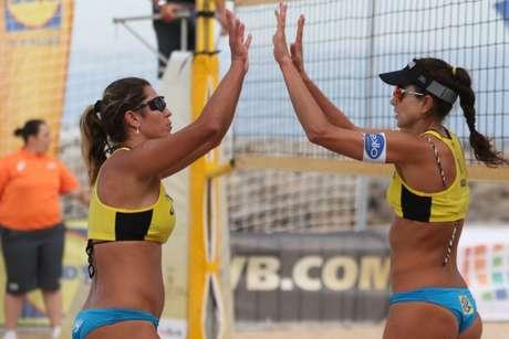Maria Elisa e Carol vencem as duas partidas que disputaram nesta quinta-feira  (Getty Image/FIVB)