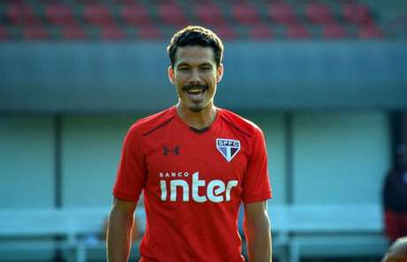 Hernanes tem contrato com o Hebei Fortune, da China, até dezembro do ano que vem (Foto: Rubens Chiri/São Paulo)