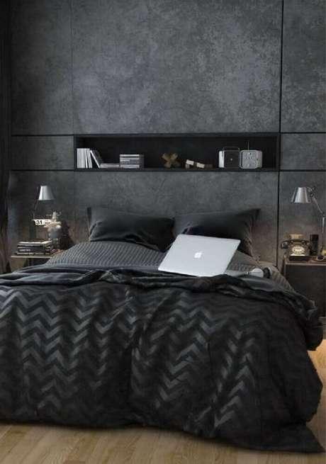 39. Decoração super moderna com paredes de cimento queimado para quarto com nicho embutido na parede
