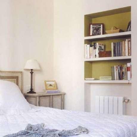 47. Modelo de nichos para quarto embutidos na parede