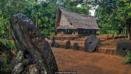 Não importa onde estão localizadas, os yapeses sabem de quem é cada pedra | Foto: Robert Michael Poole