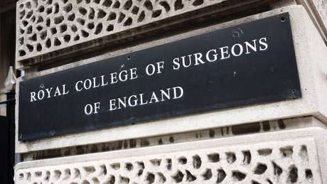 O Colégio Real de Cirurgiões da Inglaterra vai decidir se os restos mortais de Byrne continuarão a fazer parte da coleção do museu
