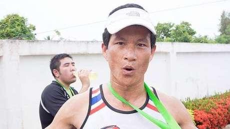 Apesar da experiência e da boa forma física, Saman Gunan não resistiu ao mergulho no trajeto longo e sinuoso da caverna
