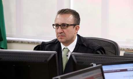 Rogério Favreto, desembargador plantonista do TRF-4, foi quem expediu o habeas corpus de Lula no último domingo (08)