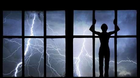 Psicólogos recomendaram que Peterson enfrentasse os medos e saísse de casa em dias de tempestades