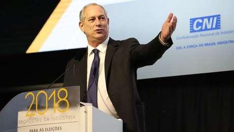 Pré-candidato do PDT Ciro Gomes em debate promovido pela CNI, para o qual Lula não foi convidado. Para Favreto, ele precisa ter o direito de 'ir e vir' por ser candidato
