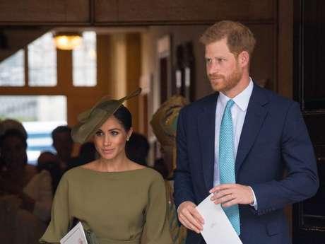 Príncipe Harry e Meghan Markle prestigiaram o batizado de príncipe Louis em Londres nesta segunda-feira, dia 9 de julho de 2018