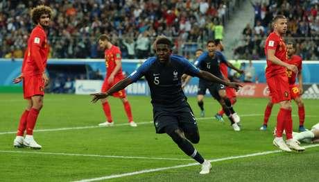 Umtiti abre o placar para a França