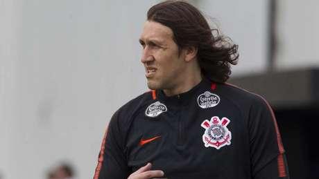 c2f63e5992 Cássio treinou entre os titulares e deve iniciar a partida contra o  Cruzeiro