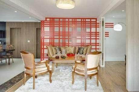 18. Modelos de divisórias coloridas são perfeitas para levar mais cor a um ambiente com decoração clean