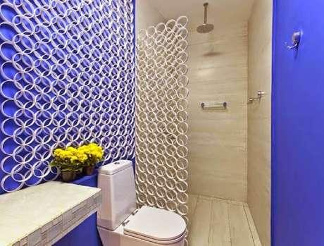 8. Banheiro decorado com divisória de ambiente PVC