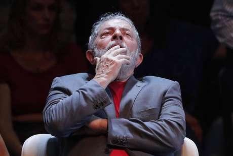 Lula cumpre pena de 12 anos de prisão em Curitiba