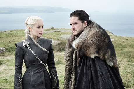 Emilia Clarke e Kit Harington em 'Game of Thrones'