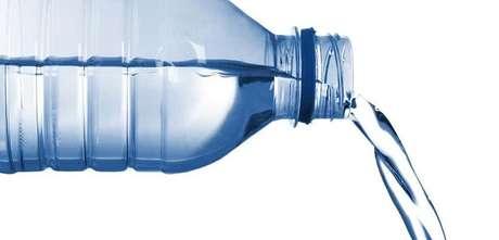 2- Dois litros de água.