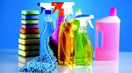 1- Produtos de limpeza caseiro previne alergias e protege o meio ambiente.