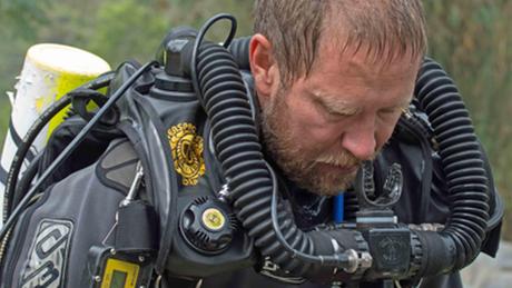 O médico e mergulhador Richard Harris ficou três dias na caverna com os meninos tailandeses