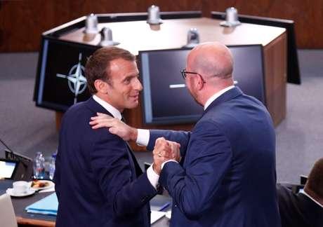 Presidente francês, Emmanuel Macron, e premiê belga, Charles Michel, durante cúpula da Otan em Bruxelas
