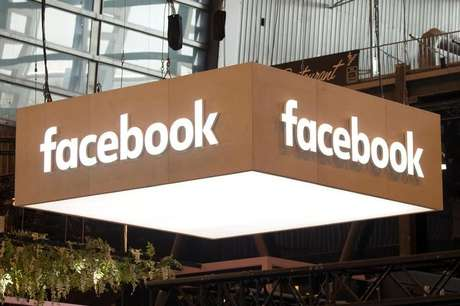 Logo do Facebook durante cúpula de tecnologia em Paris, França 25/05/2018  REUTERS/Charles Platiau