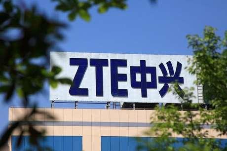 Logo da ZTE em prédio da empresa em Nanjing, China 19/04/2018 REUTERS/Stringer